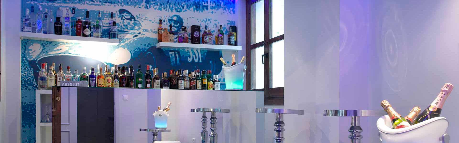 Boxer Bar